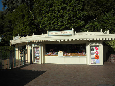 Disneyland Tour: Newsstand