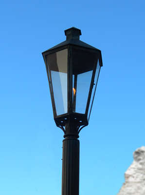Disneyland Tour: Gas lamp