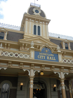 Disneyland Tour: City Hall