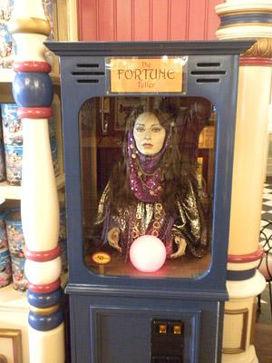 Disneyland Tour: Fakemeralda