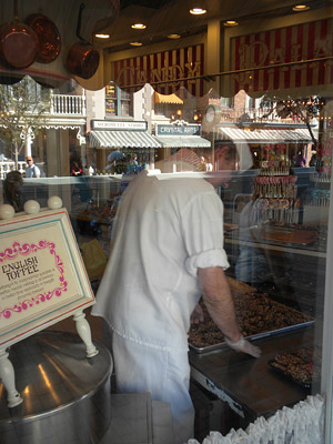 Disneyland Tour: Candy Palace