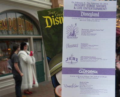 Disneyland Tour: Show schedule