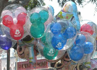 Disneyland Tour: Balloons